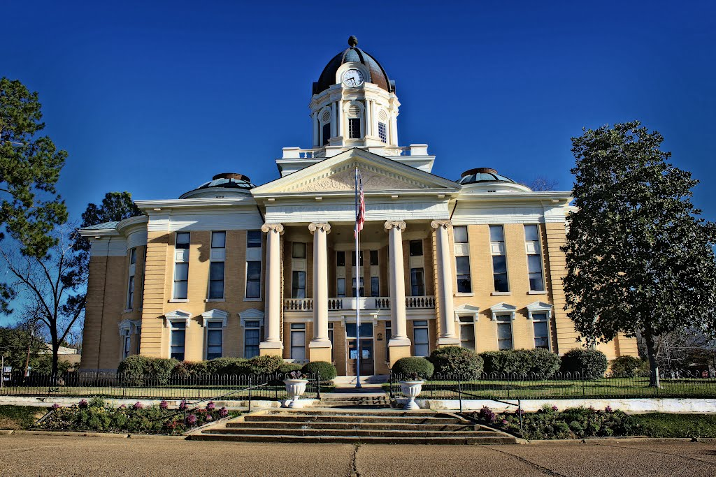 Simpson County Courthouse - Built 1907 - Mendenhall, MS, Тилертаун