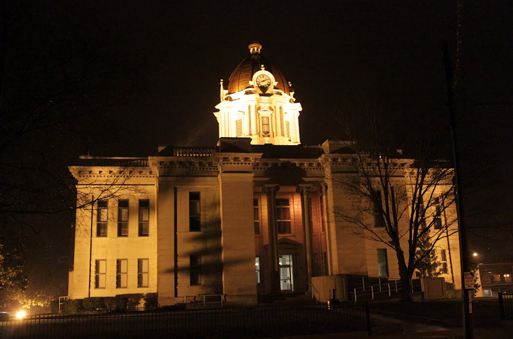 Lee County Courthouse - Built 1904 - Tupelo, MS, Тупело