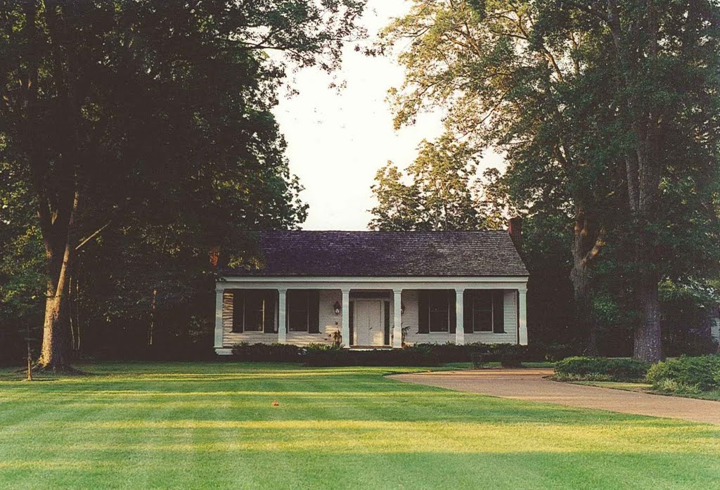 1839 Captain Hickle-Hoy House, built of heart pine & cypress by 1st postmaster, Madison Miss (8-6-2000), Флаууд