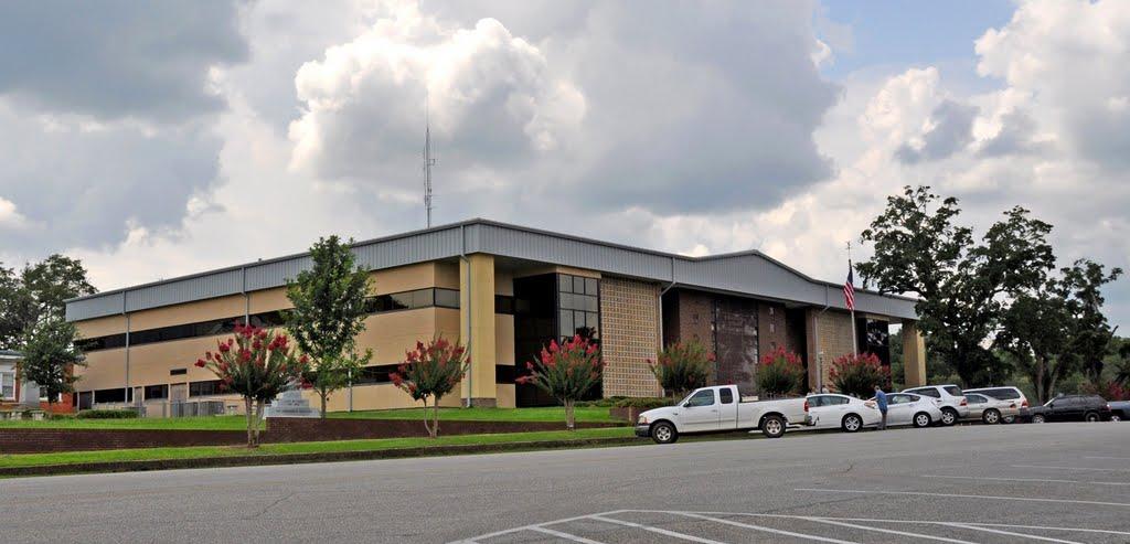 The Washington County Courthouse at Chatom, AL, Хармони