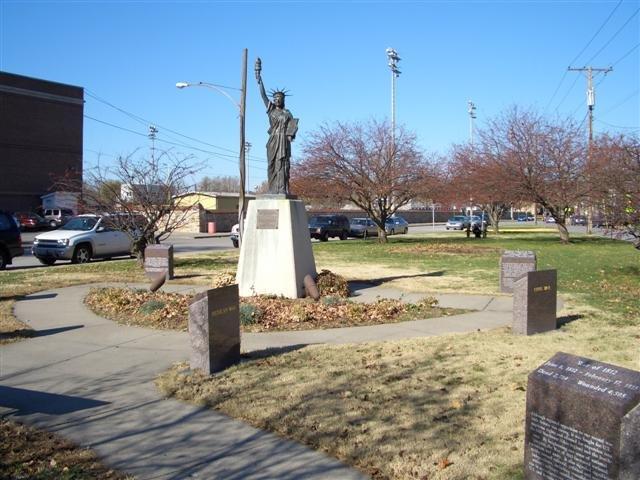 Statue of Liberty reproduction,North Kansas City,MO, Норт-Канзас-Сити