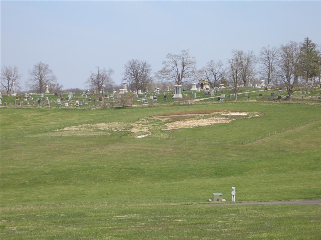 Amelia Earhart earthworks - early spring, Atchison, KS, Олбани (Генри Кантри)