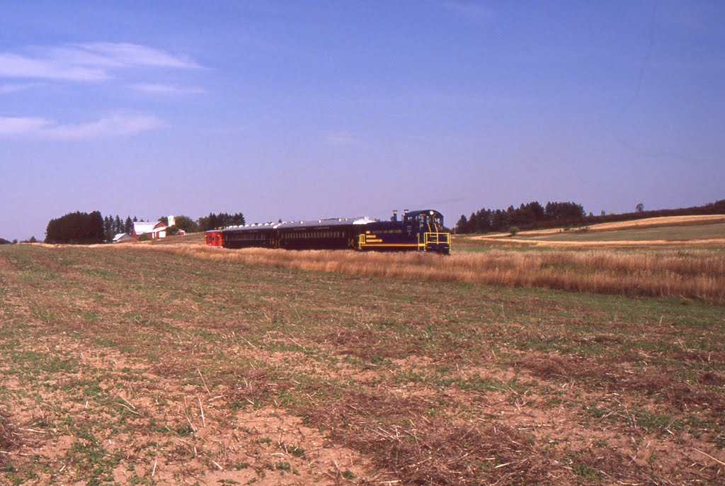 Leelanau Scenic Railroad 1990 Southbound, Вэйкфилд