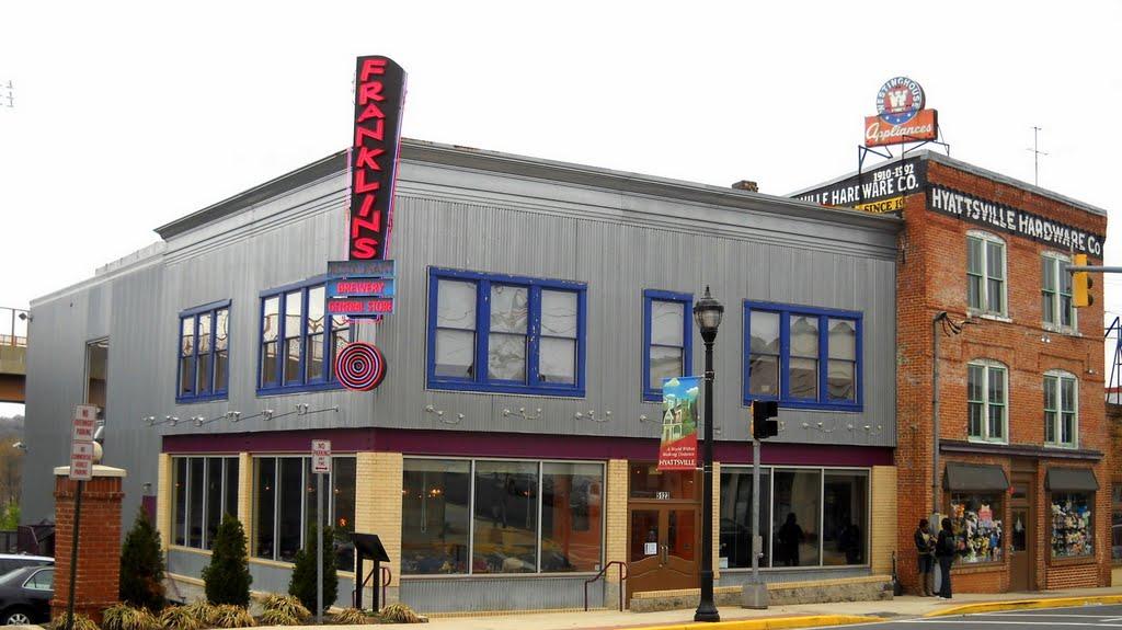 Franklins Restaurant, Brewery & General Store, Historic U.S. Route 1, 5121 Baltimore Avenue, Hyattsville, MD, Коттедж-Сити