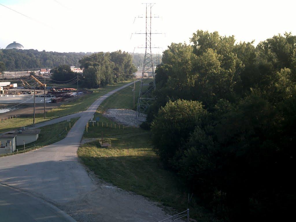 Riverfront South bike path from the bridge, Папиллион