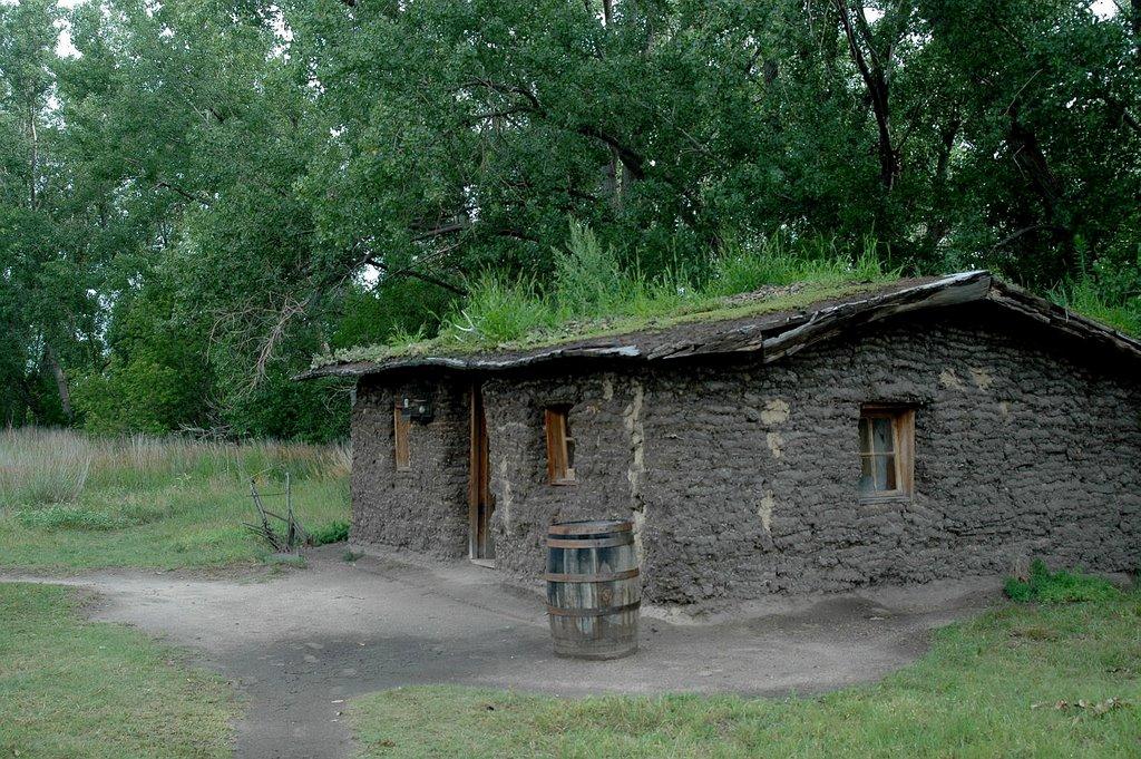 Replica of a Pioneer Sod House. Seen in Gothenburg Nebraska., Скоттсблуфф