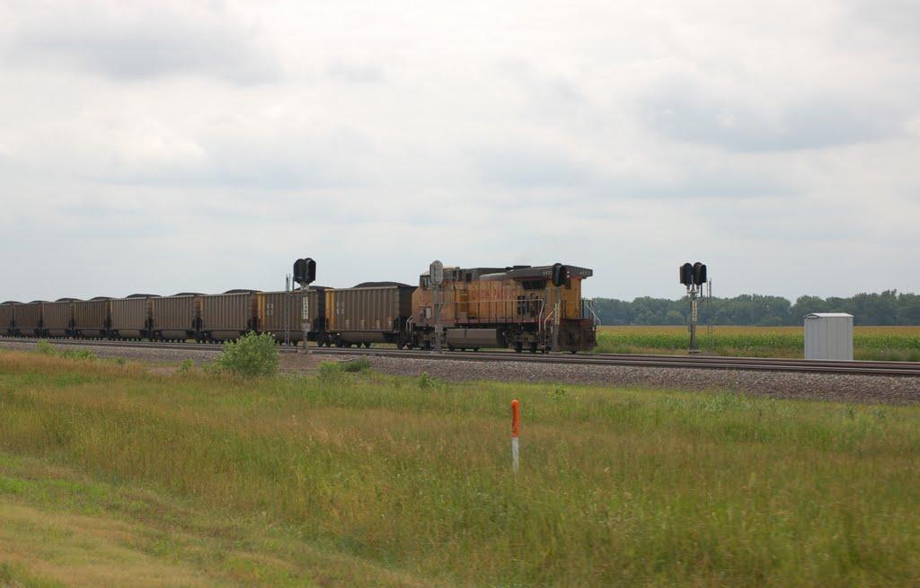 Union Pacific Railroad Pusher Locomotive No. 6572 on an Westbound Unit Coal Train near North Platte, NE, Спрагуэ