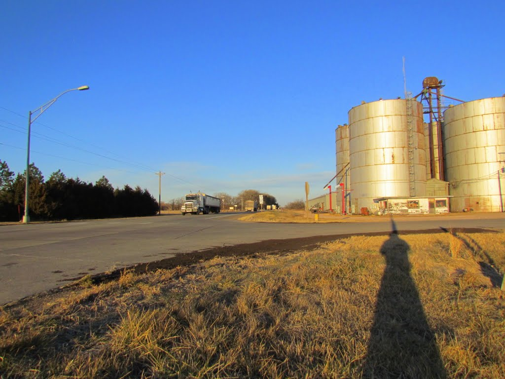 Looking west-north-westerly, at Neb. State Hwys. 2 / 92 from its intersection with Center Ave. Berwyn (Ansley P.O.), Nebraska, Спрагуэ