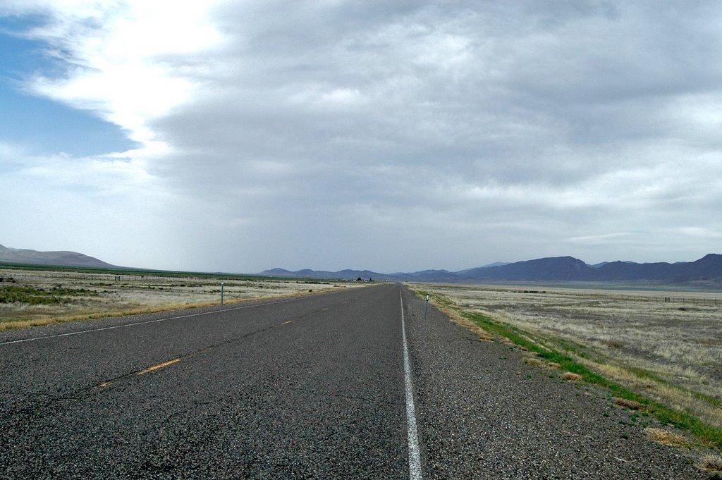 Looking North toward Battle Mountain on Nv. 305.  Elevation 4905 ft., Вегас-Крик