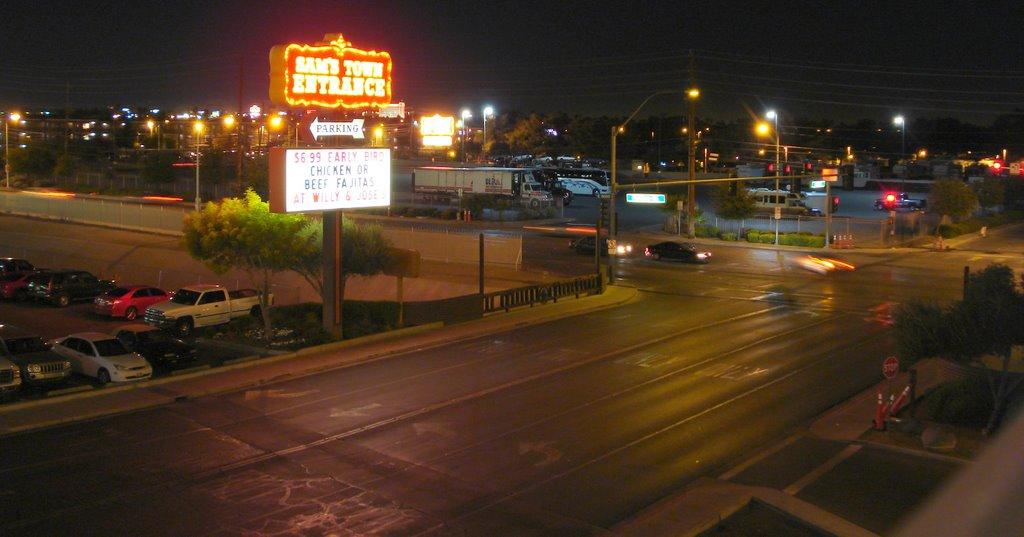 Sams Town by night, Ист-Лас-Вегас