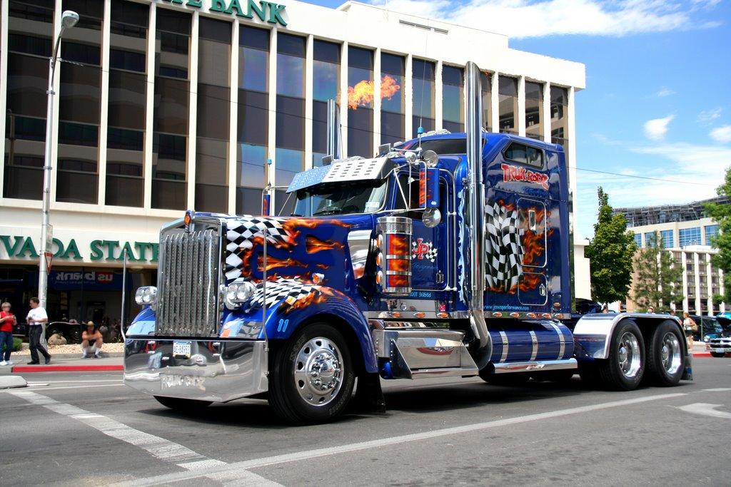 Reno, Virginia St; Car Parade, Customised Truck, Рино