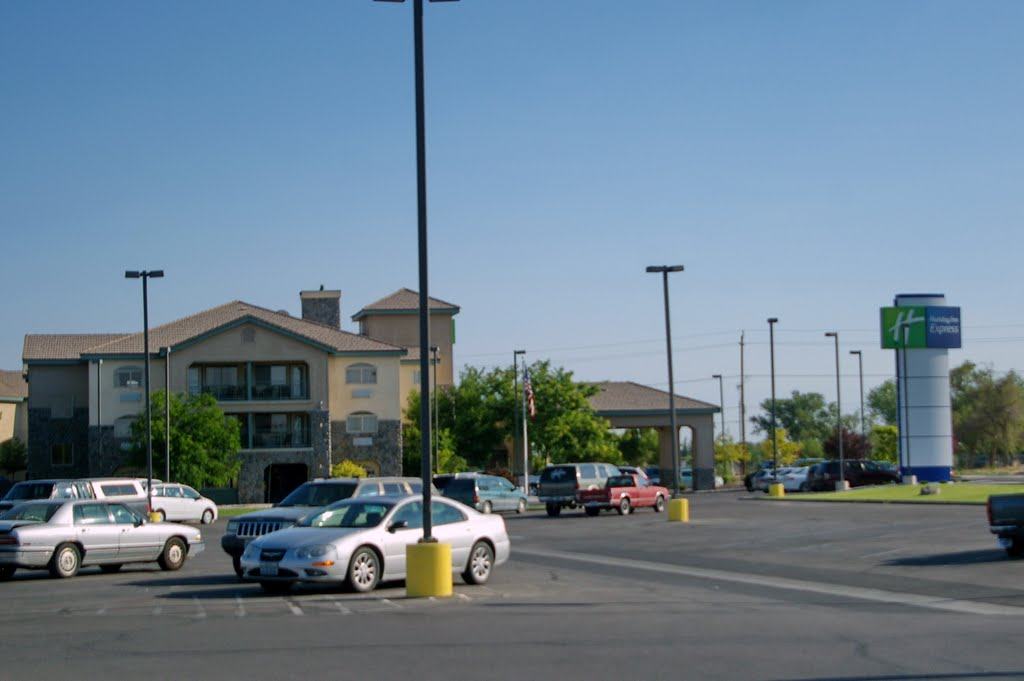 2011, Fallon, NV - Holiday Inn Express, Фаллон