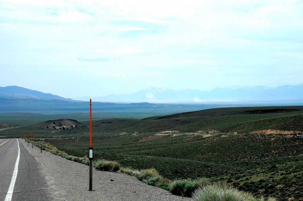 "West of Hickson Summit on U.S. 50. ""The Loneliest Road in America""., Хавторн"