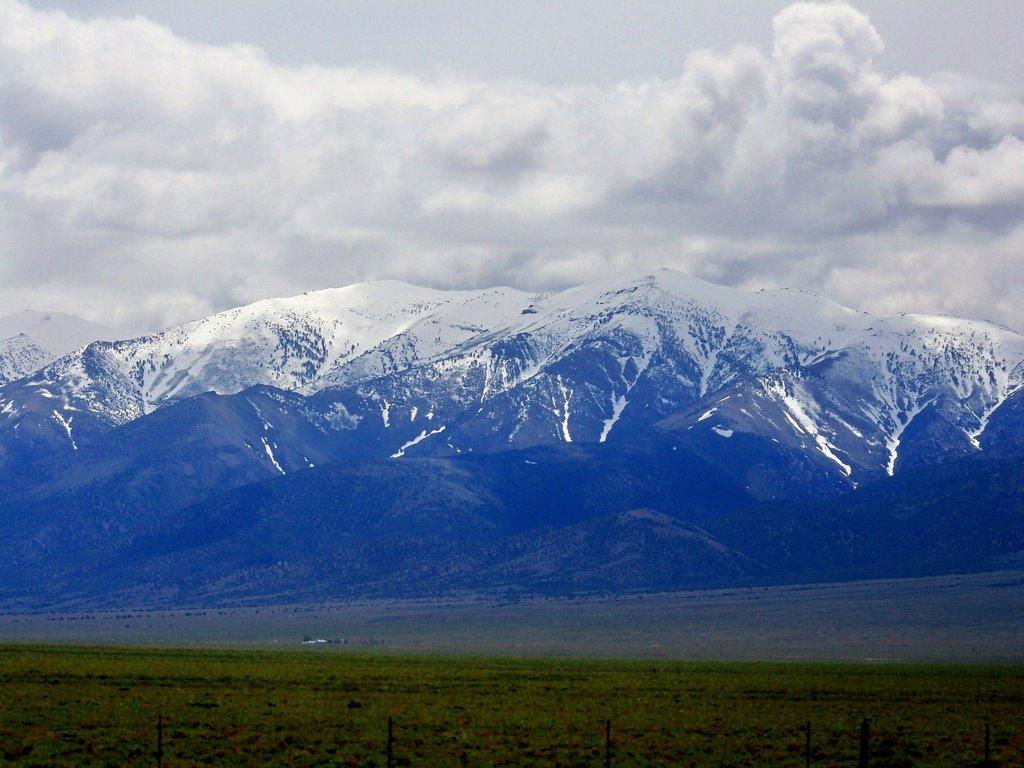 Magnificent great basin area in Nevada, Хавторн