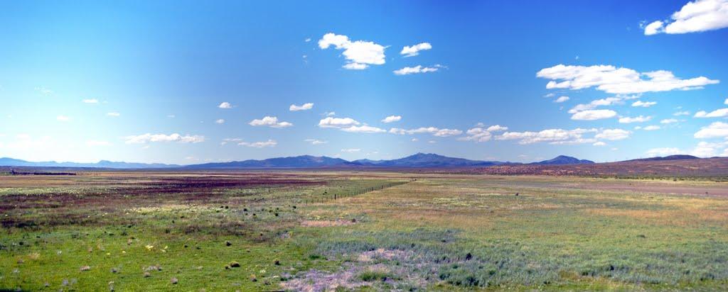 2011, Eureka, Nevada, USA - along Hwy 50, Эврика