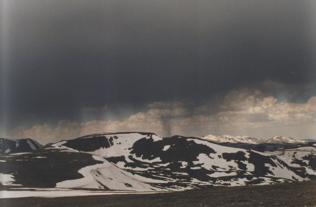 Low clouds over Mt. Jefferson Plateau, Эврика