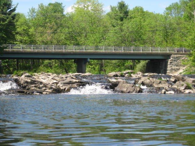 Whittier St Falls, Довер