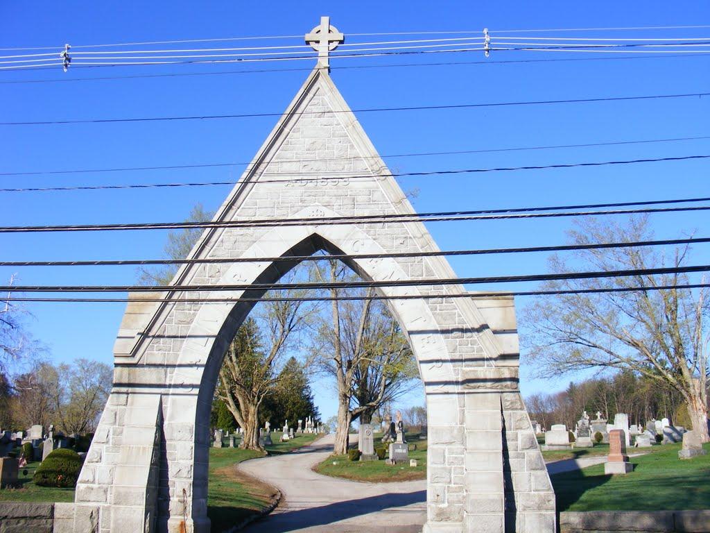 Cemetery entrance., Конкорд