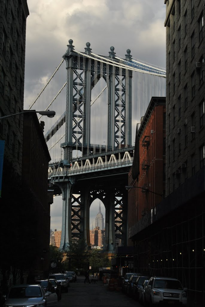 Manhattan Bridge and Empire State - New York - NYC - USA, Ист-Сиракус