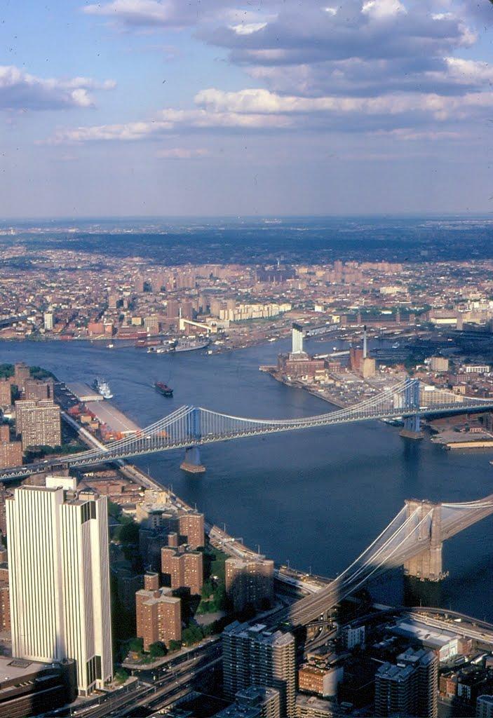 East River New York, Ист-Сиракус