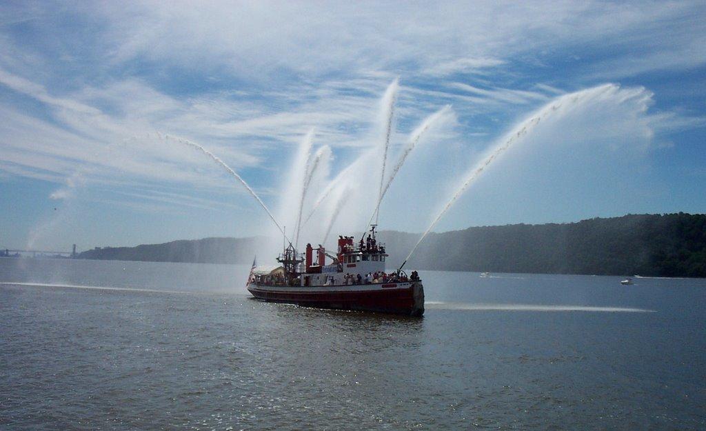 John J. Harvey Fireboat, Hudson River - Palisades Park, Йонкерс
