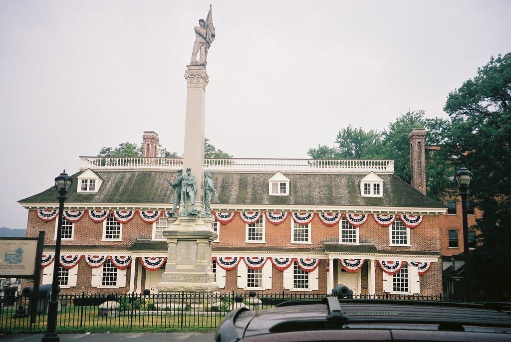 Fachada Pricipal de Philipse Manor Hall - Yonkers - N. York, Йонкерс