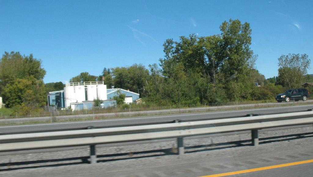 Near Utica Mack, Йорквилл