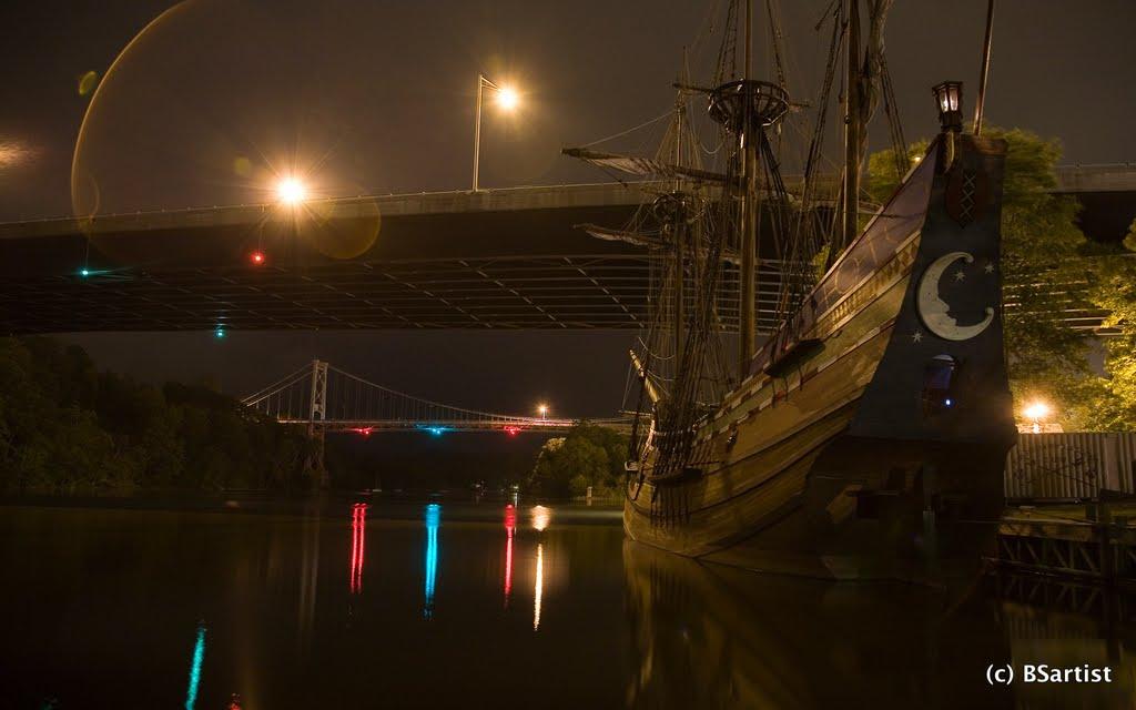 Half Moon at night, Кингстон