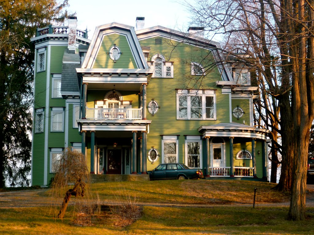 "James L. Van Deusen house, ""Cloverly,"" 1891; Colonial Revival style, Кингстон"