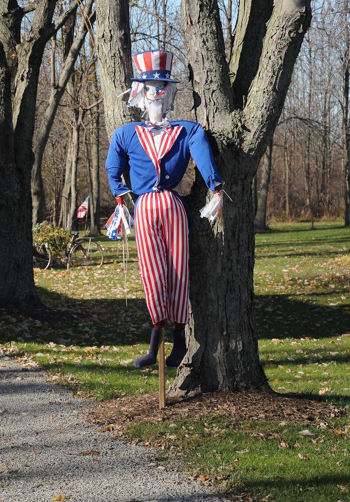 Roadside Uncle Sam, Кларенс-Сентер