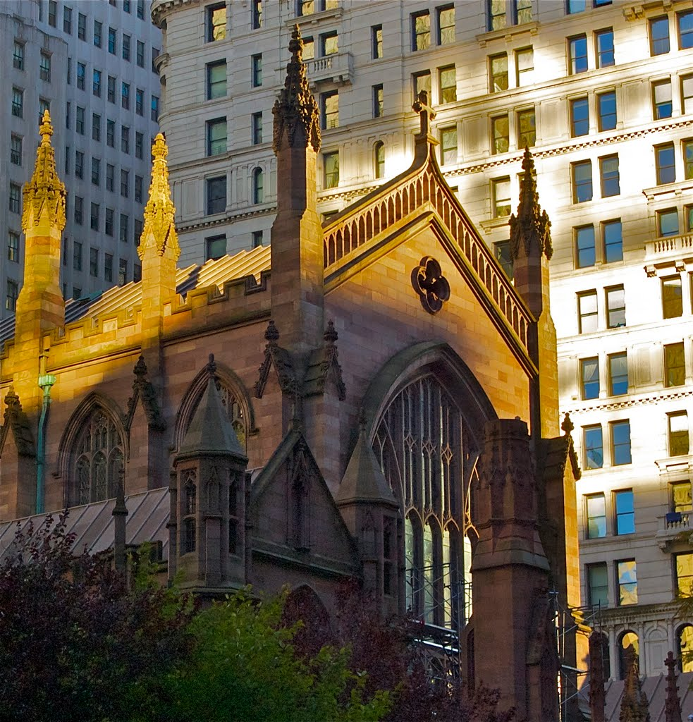 Golden Crown on Trinity Church, Кларк-Миллс