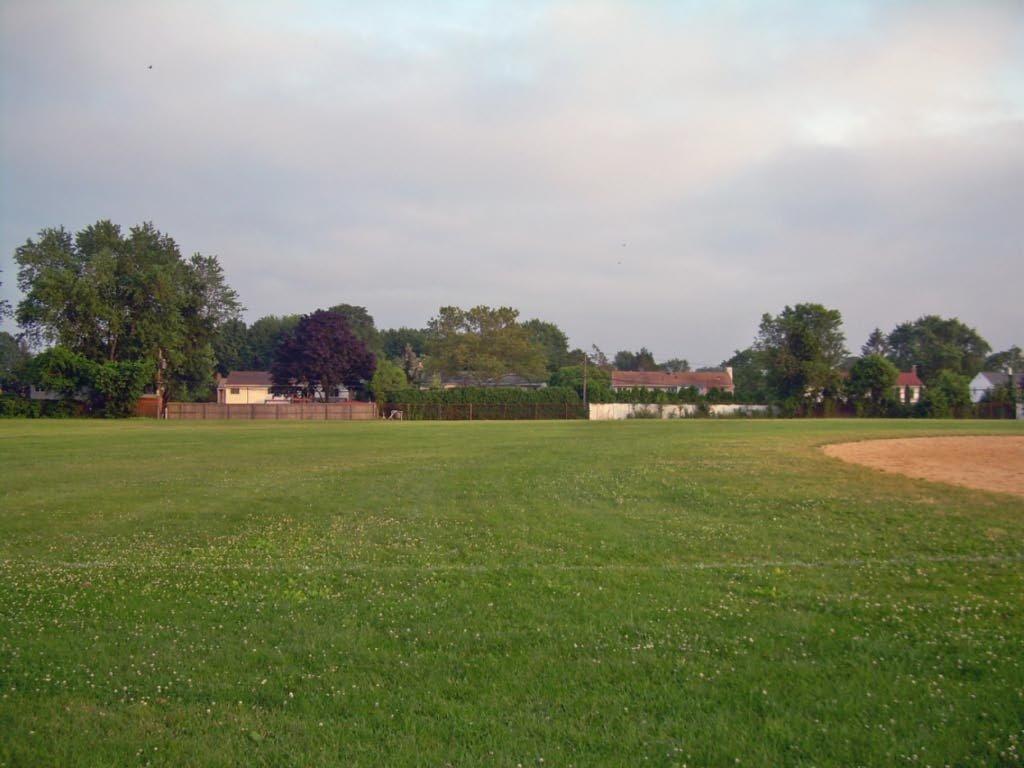 Burr Winkle Park, Коммак