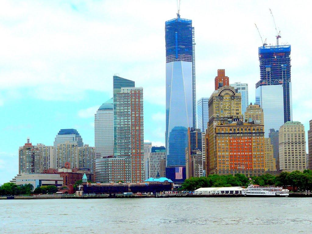 USA, la nouvelle tour, Freedom Tower atteindras au final 541 mètres, soit 1776 pieds à Manhattan, Коринт
