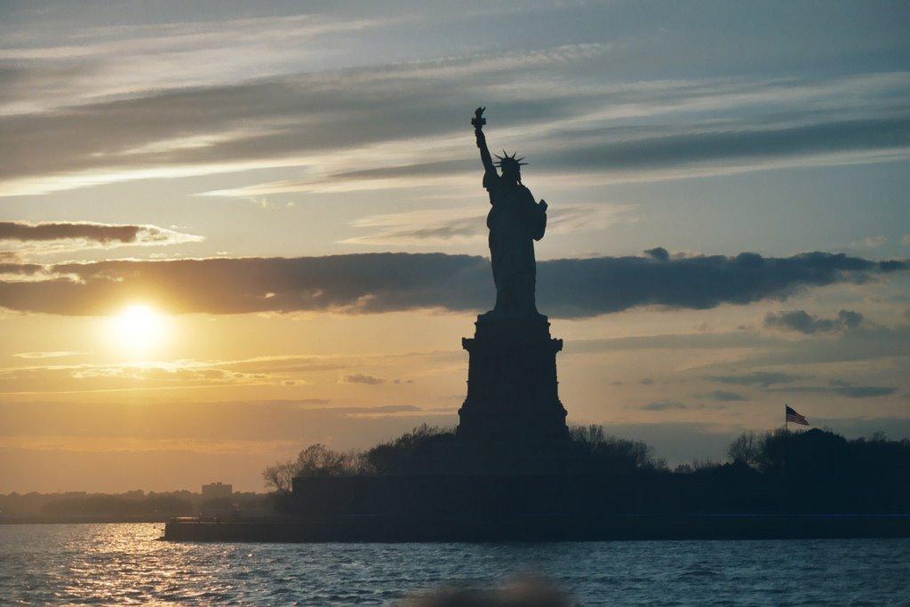 Statue Of Liberty Sunset - KMF, Лейк-Плэсид