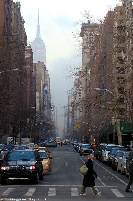 View up 5th. Ave. from Washington Sq., Лейк-Плэсид