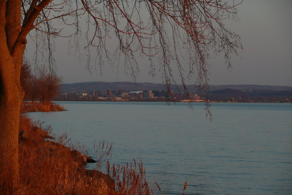 Onondaga Lake, view of Syracuse, Ливерпуль