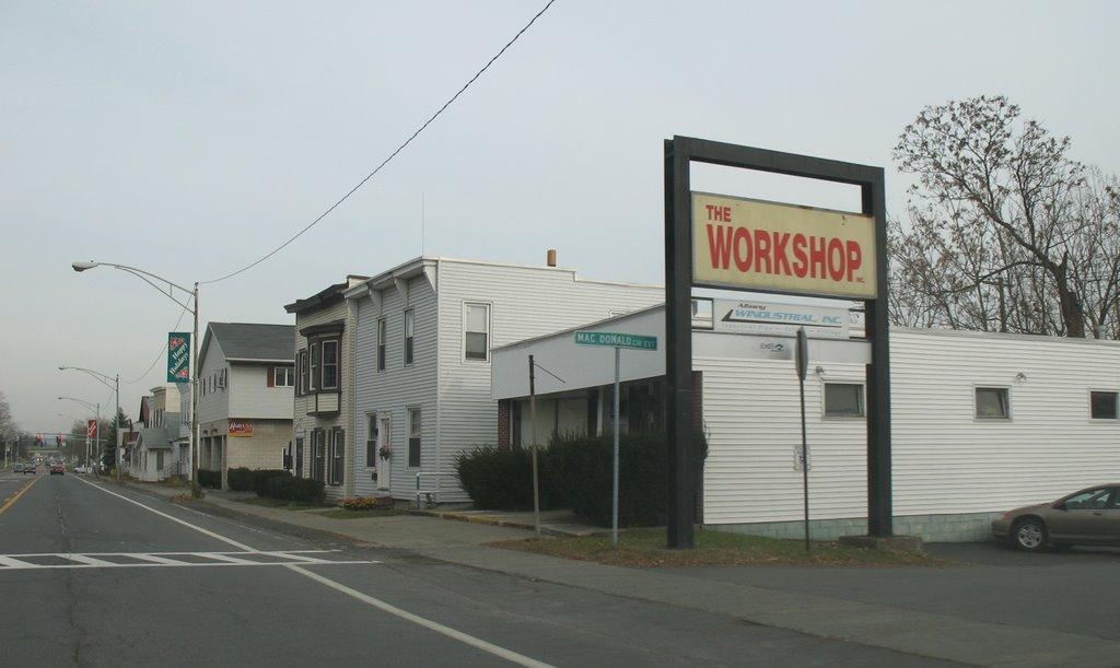 The Workshop on Broadway, Менандс