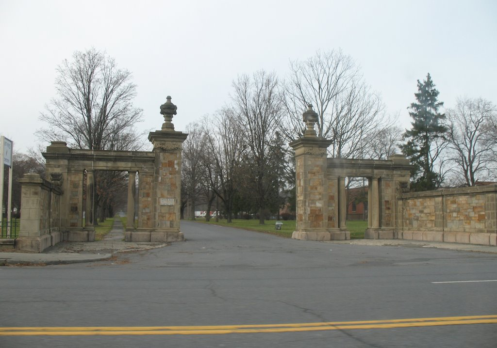 Cemetery Avenue, Menands, Менандс