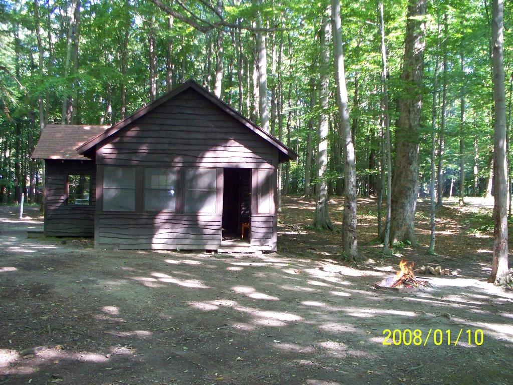 Green Lakes Cabin # 4 (back), Миноа