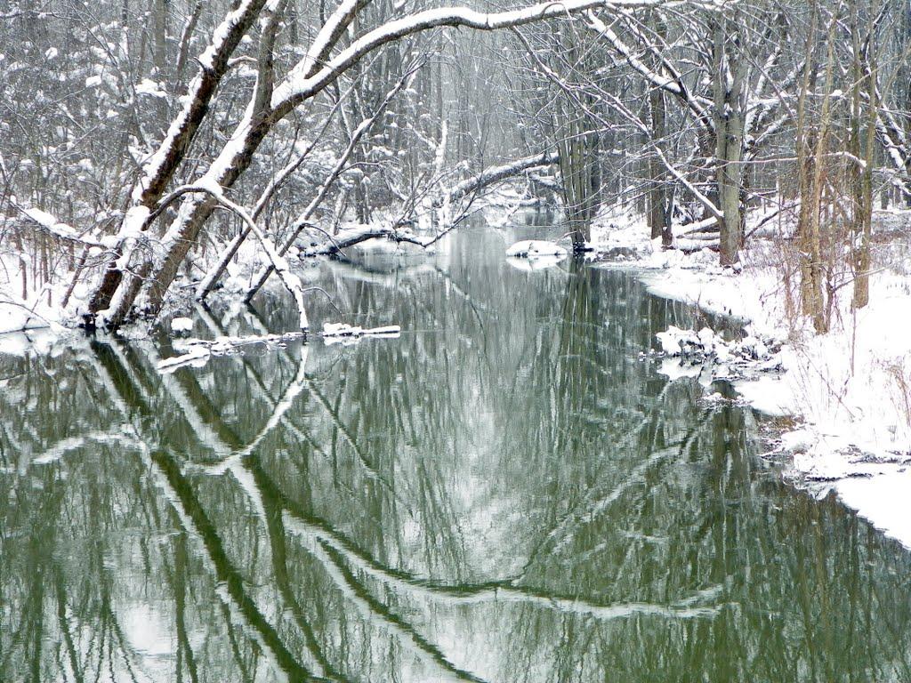 Snowy stream shot #1, Миноа