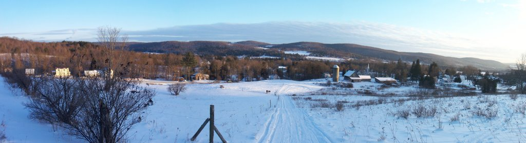 Village of Morris, NY in the Butternut Valley - looking south across the valley, Моррис