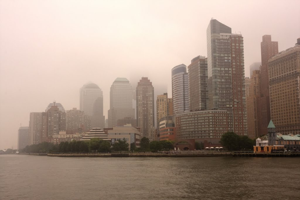 Foggy morning in Manhattan, Ниагара-Фоллс