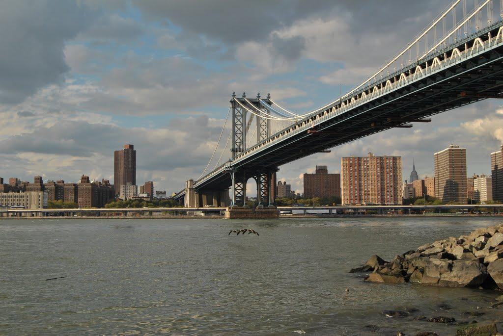 View of New York from Manhattan Bridge - New York (NYC) - USA, Нью-Виндсор