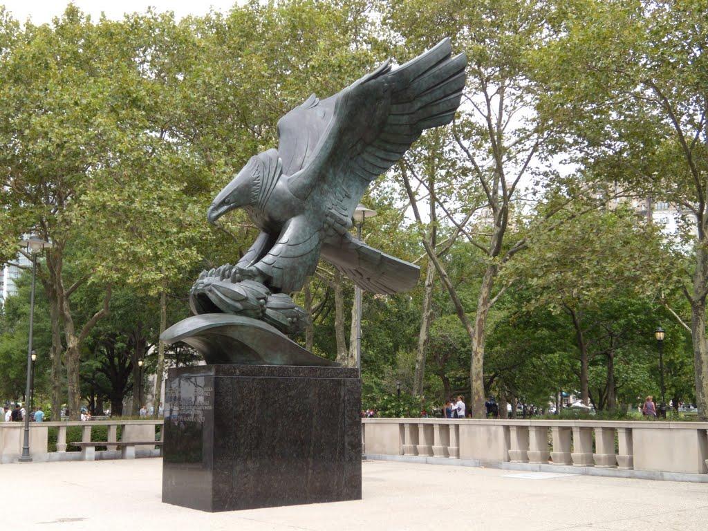 New York - Battery Park - East Coast Memorial, Нью-Йорк-Миллс