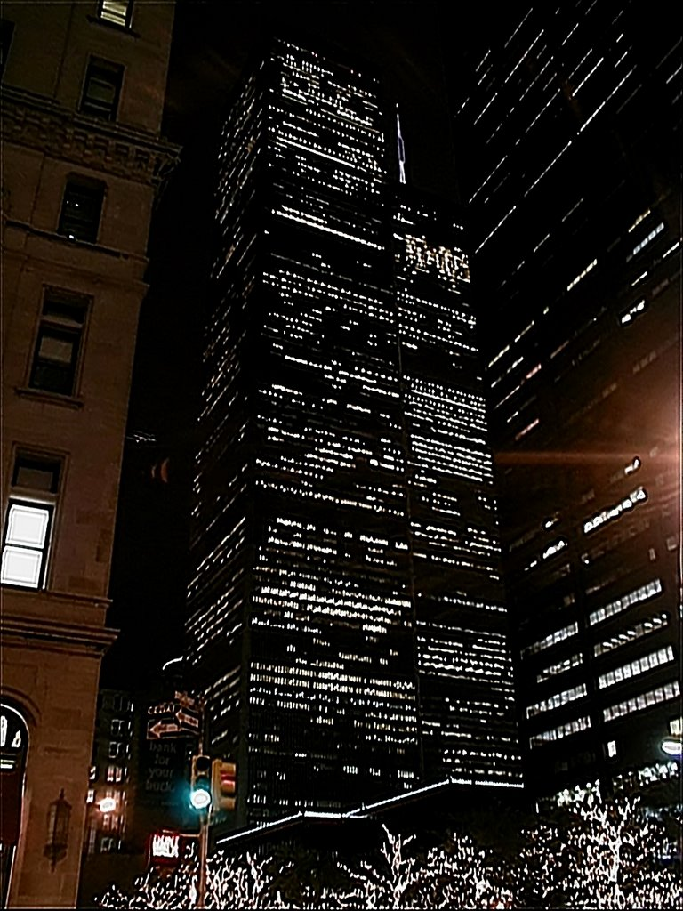 05030052 March 5th, 2000 New York WTC Twin Towers at night  - NW view, Нью-Йорк-Миллс