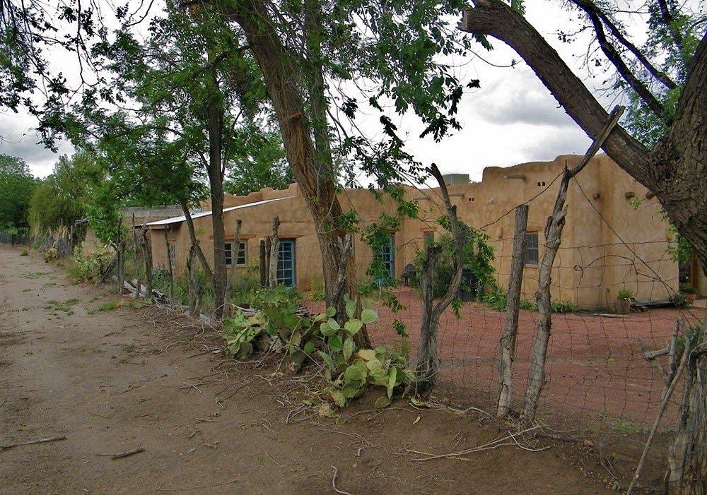 Calle de Arroyo, Месилла