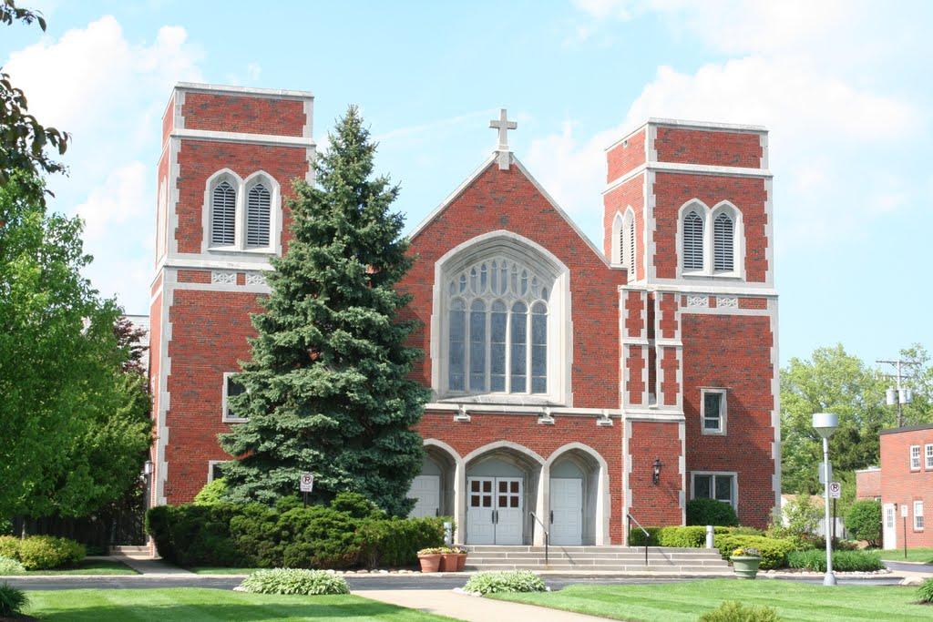 St. Clare Catholic Church, Линдхарст