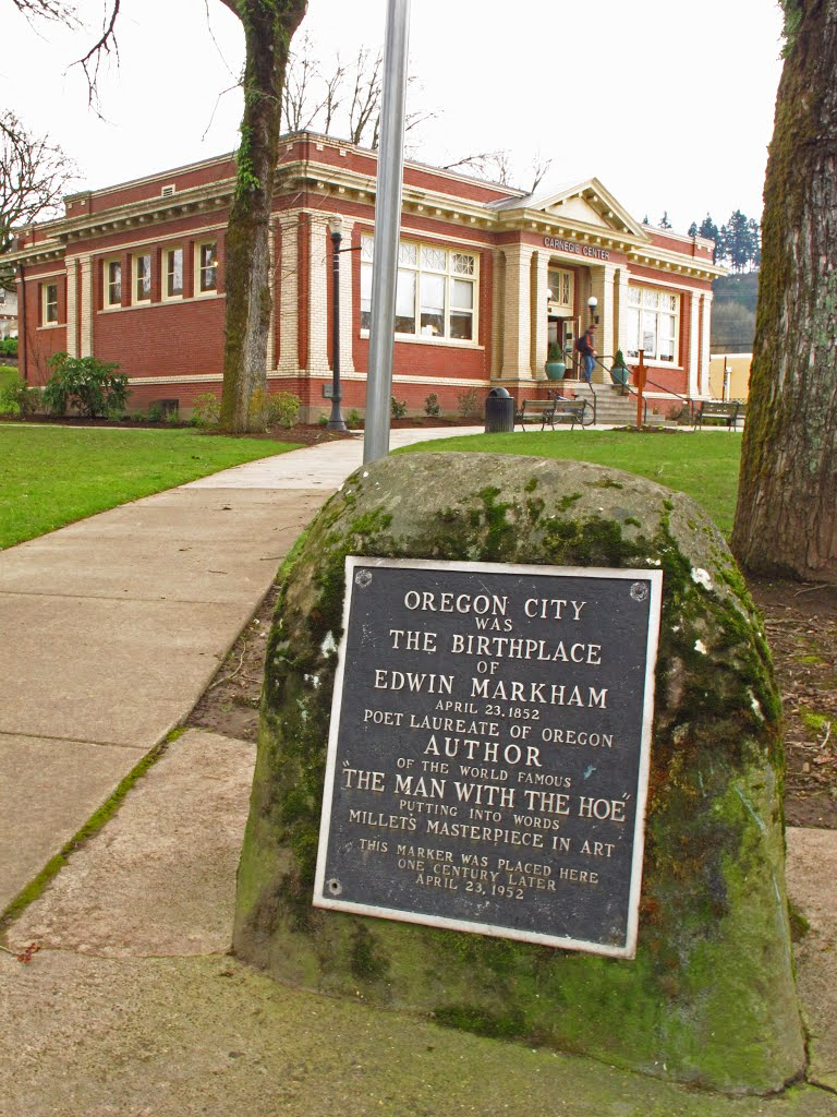 Plaque to Edwin Markham at Oregon City library., Седар-Хиллс