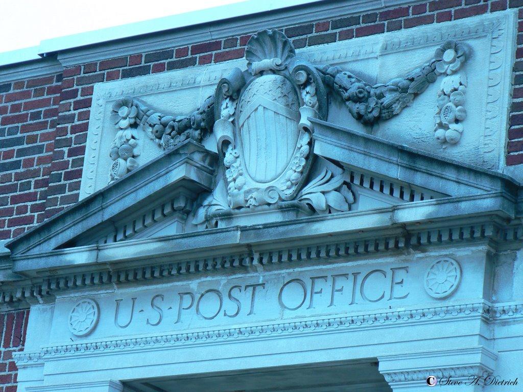 Post Office - Crest over Door - Lock Haven, PA, Флемингтон