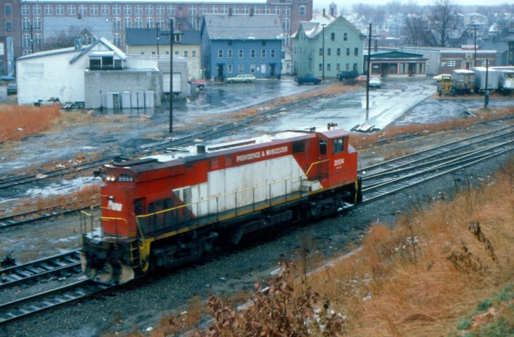 Providence and Worcester Railroad MLW M420R No. 2004 at Woonsocket, RI, Вунсокет